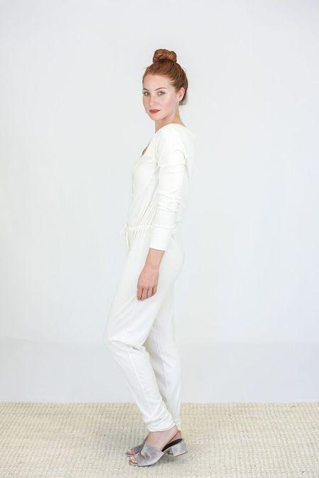 Skin Longsleeve Dakota Onesie - White Sand