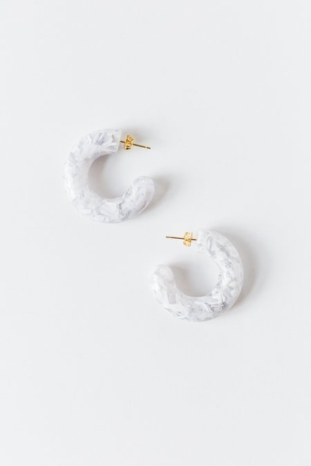 Foe and dear Talia Earring - white