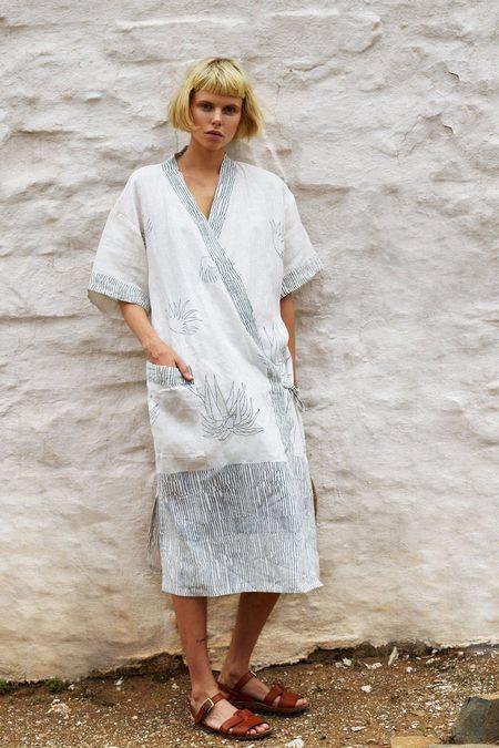 Karu Aloe Cotton Linen Kimono Robe - White