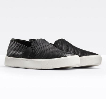 Vince Blair 5 Slip-On Sneaker - Black