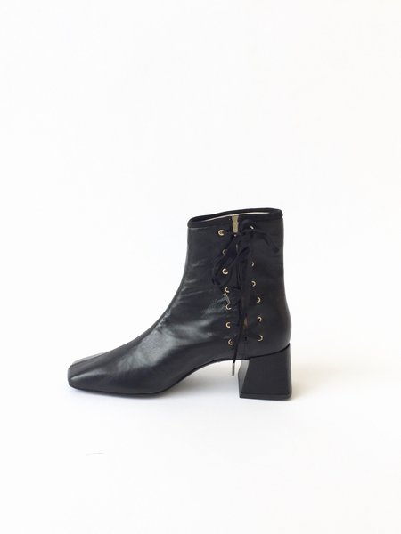Suzanne Rae Lady Boot - Black