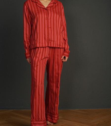 UNDERPROTECTION Amanda Lyocell Satin Shirt - Red/Pink Stripes