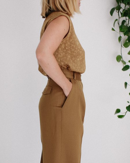 Kaleidos Vintage Floral Sleeveless Top and High Waist Wool Pant - Bronze