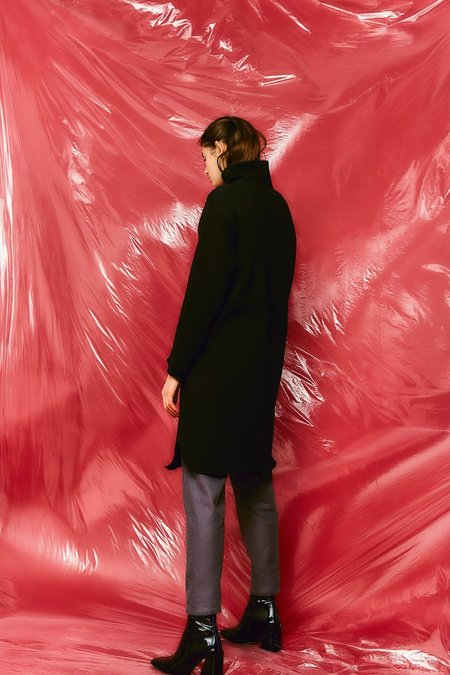 Devlyn Van Loon Turtleneck Sweaterdress - Black