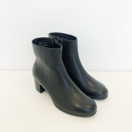 Hopp Zip-Up Ankle Boot - Black