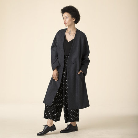 Ali Golden V-NECK COAT - black