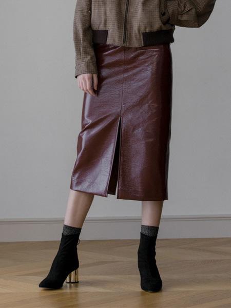 Aeer H Line Slit Anamel Skirt - Burgundy