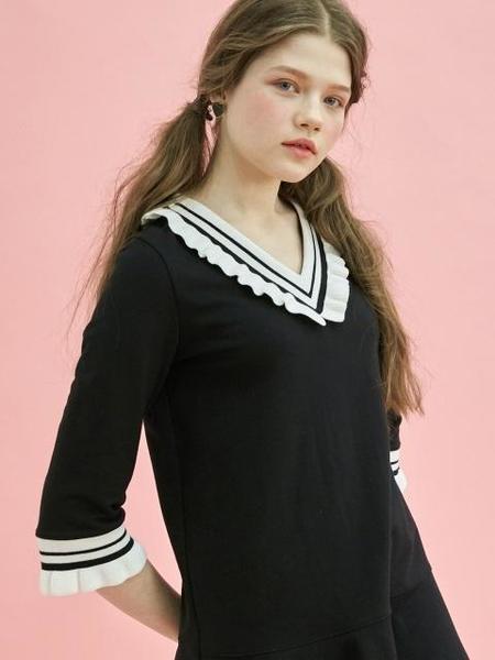 DEBB V Ruffle Dress - Black/Cream