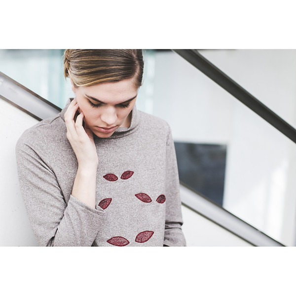 Livlov Embroidered Sweatshirt