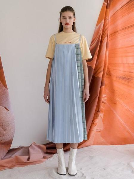 ROCKET X LUNCH Half Check Pleats Dress - Sky blue
