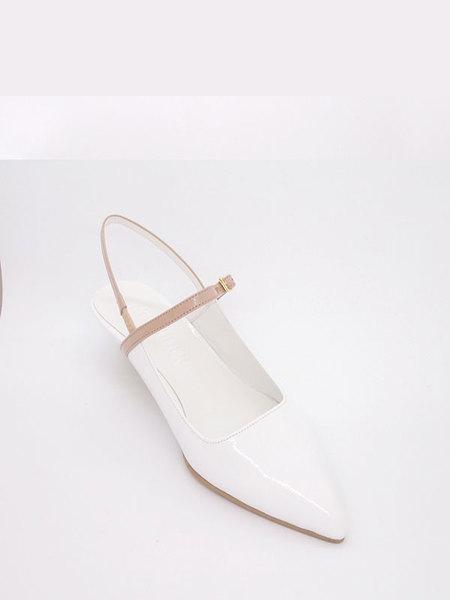 Attitude;L Zeze Slingback Heels - White/Skin