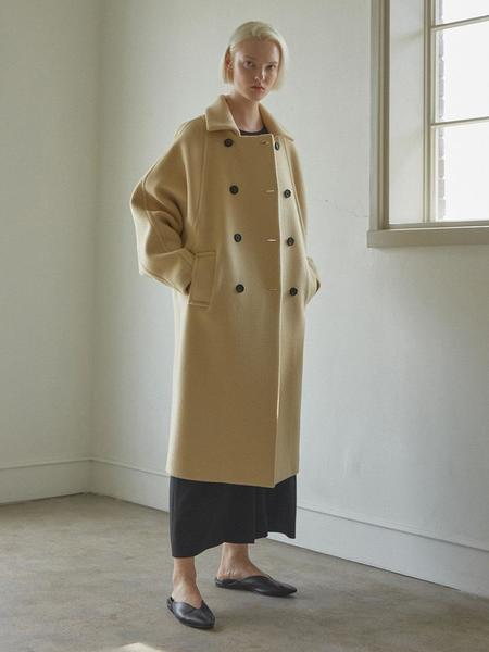 CHUNGPEPE Wide Sleeve Coat - Cream