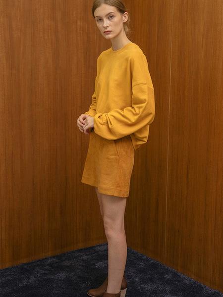AECA WHITE Alexa Suede Skirt - Camel