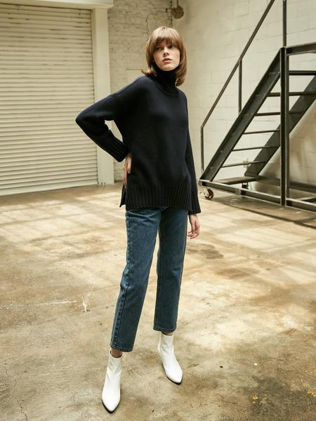 COLLABOTORY Basic Slit Turtleneck Knit - Navy