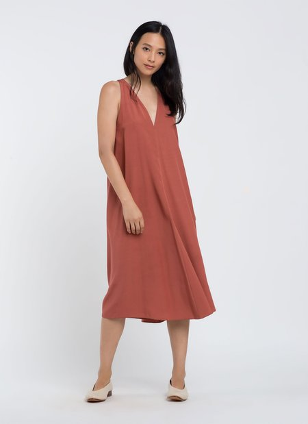 KAAREM Sum Sleeveless V-Neck Silk Dress - Terracotta