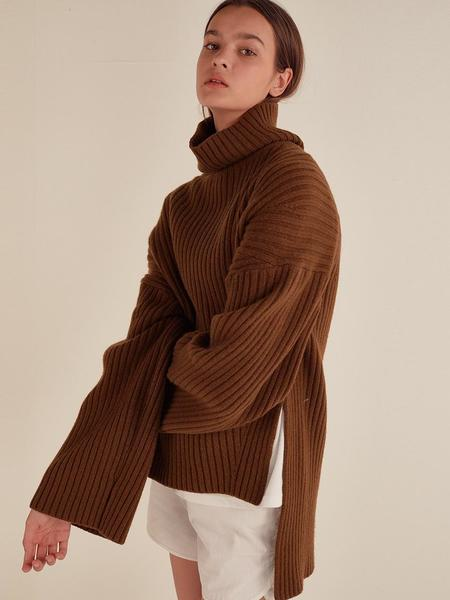 HOTELNUANCE Side Slit Cashmere Blend Pullover - Brown
