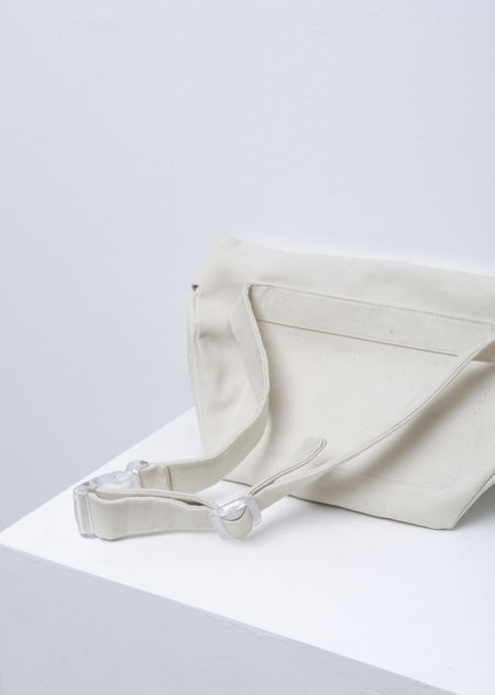 AMOMENTO FANNY PACK - white