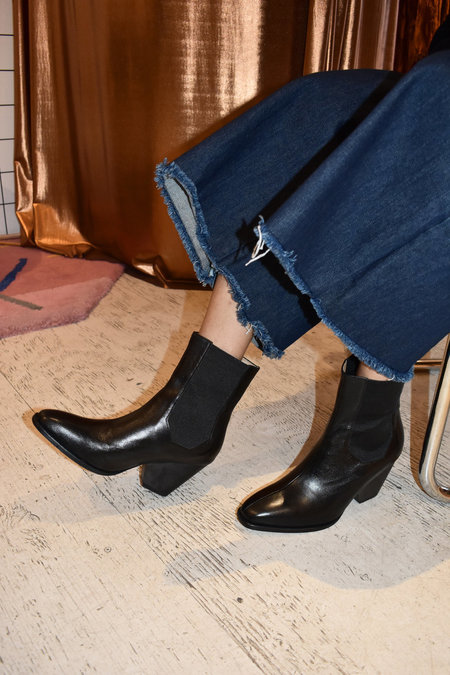 The Palatines Inergia-Duo Chelsea Leather Boot - Black