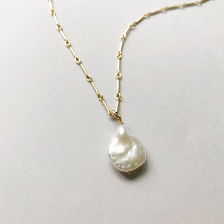 Pegs Hardware Baroque Pearl Necklace - Pearl
