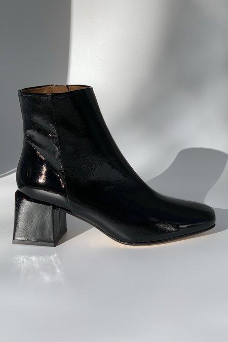 LOQ Lazaro Crinkle Patent Boot - Negro