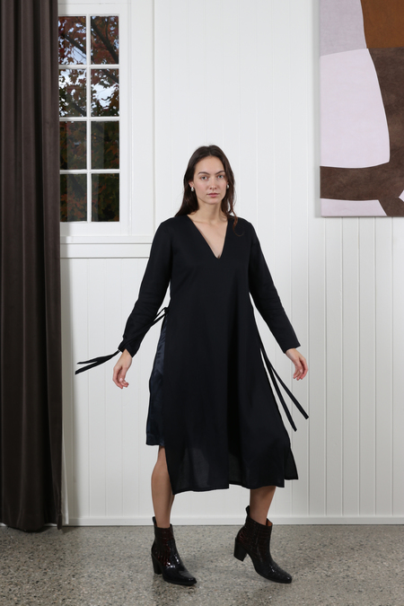 Vestige Story Axiom Dress - Midnight
