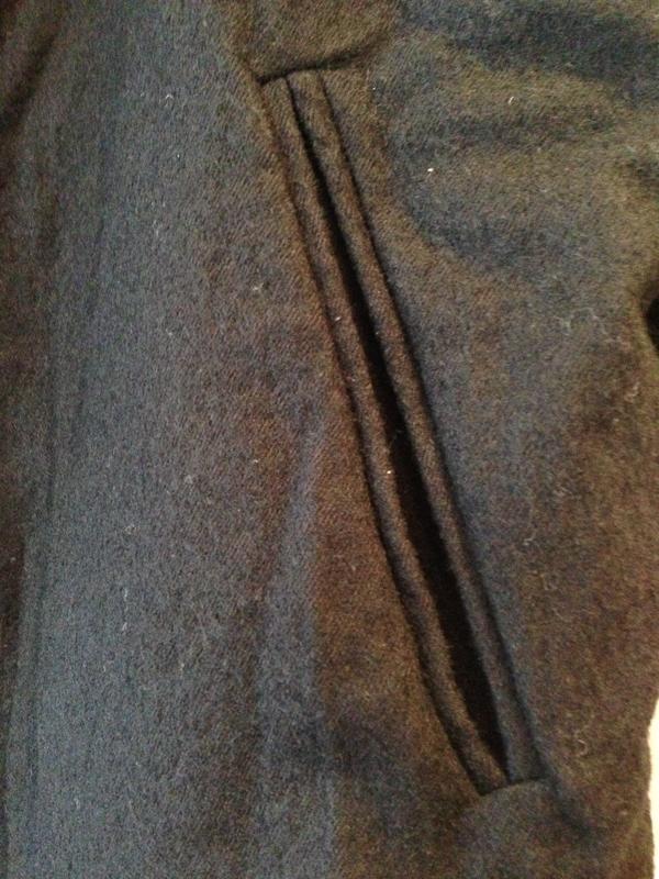 BLACK CRANE reversible poncho