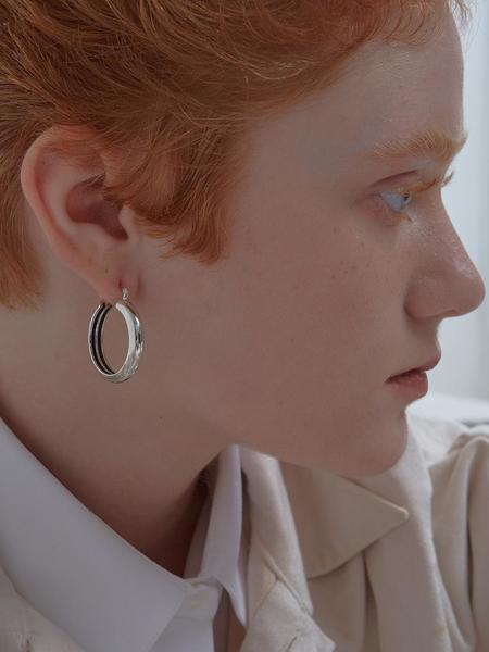 090FACTORY Hidden Lines Circle Earring - Silver