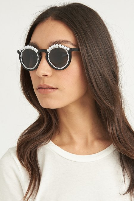 FREDA BANANA Tosca Sunglasses - Black/White Pearl
