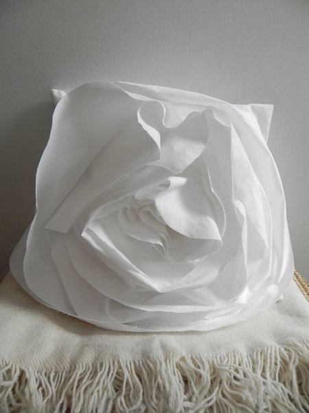 A DETACHER ROSE PILLOW - WHITE