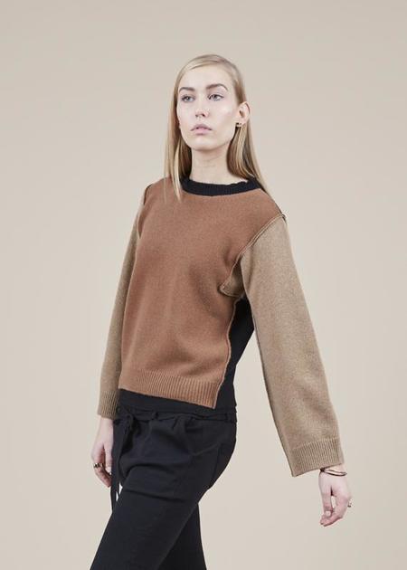Sibel Saral Leo Colorblock Sweater - Camel/Black