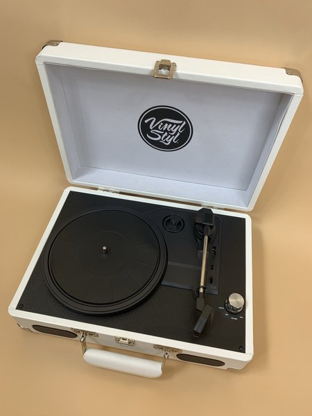 ALLIANCE VINTAGE STYLE RECORD PLAYER