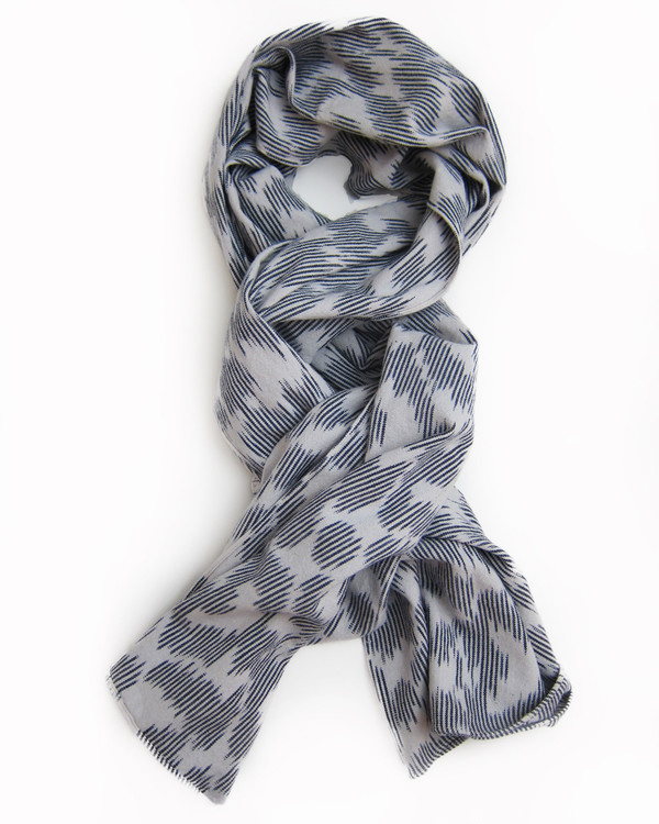 esby IKAT LARGE SCARF - CREAM/NAVY
