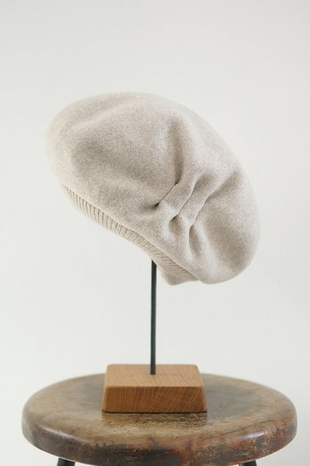 Mature Hat Tuck & Gather Rib Lamb Beret - Ecru