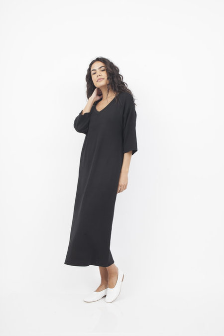 Corinne Collection V-neck Midi Dress - black