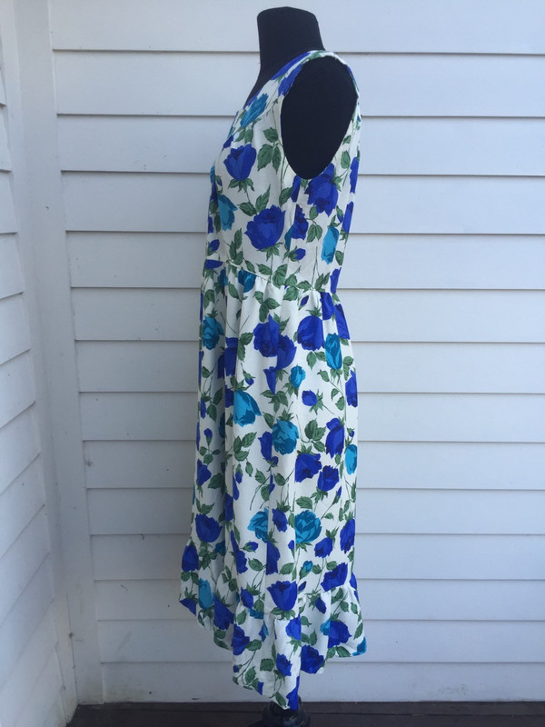 Floral 80's sleevless flower girl dress size medium ftom Japan