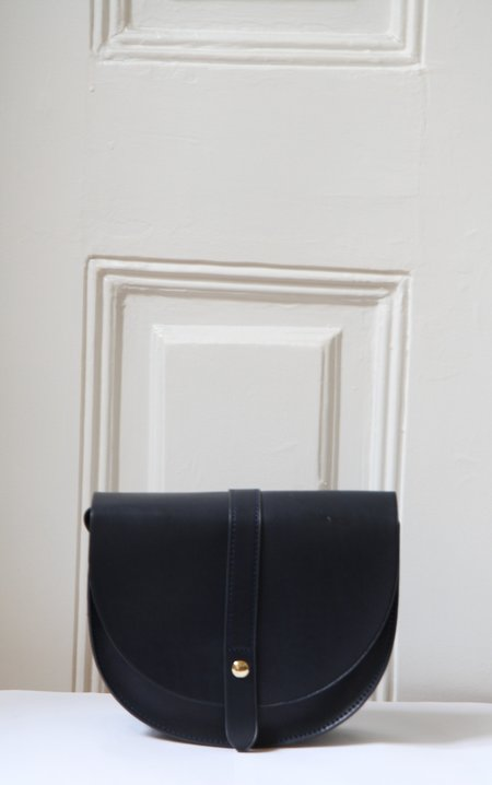 Bird on A WIRE Lou Satchel - Navy