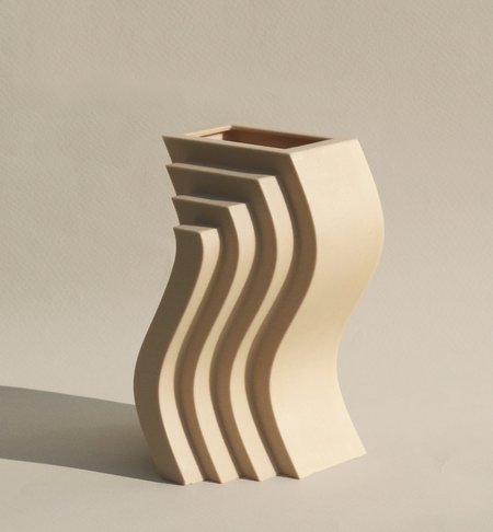 Wave by Charlotte Taylor x Unique Board / Limited edition 3D printed vases