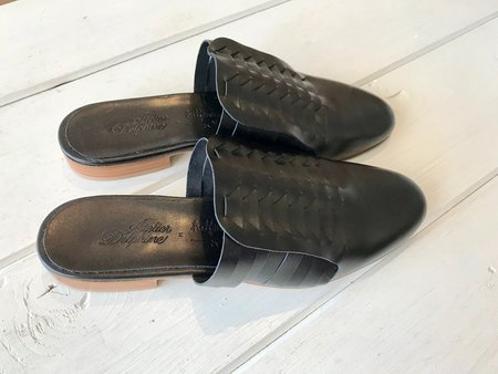 Atelier Delphine Minimalistic Shoes - Black