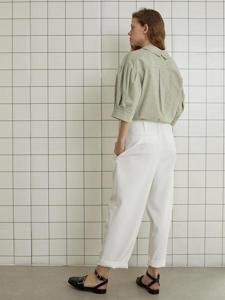 En Or Two Tuck Pants - White