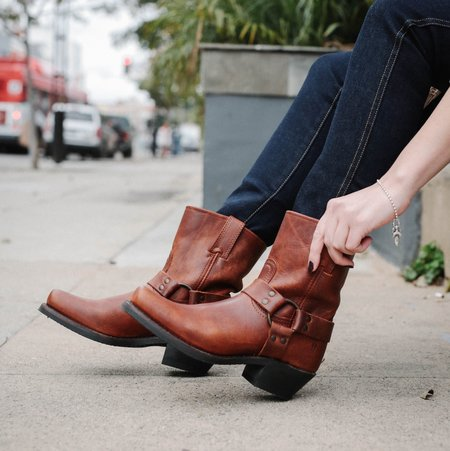 Frye Harness 8R Boots - Cognac
