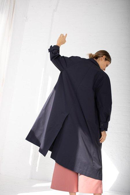 Studio Nicholson Rowley Volume Raincoat - Dark Navy