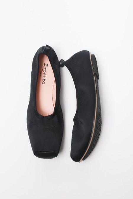 Repetto Satin Lola Pointe Ballet Flat - Black