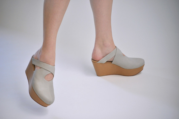 The Palatines Lemma Cross Clog - beige/tan leather