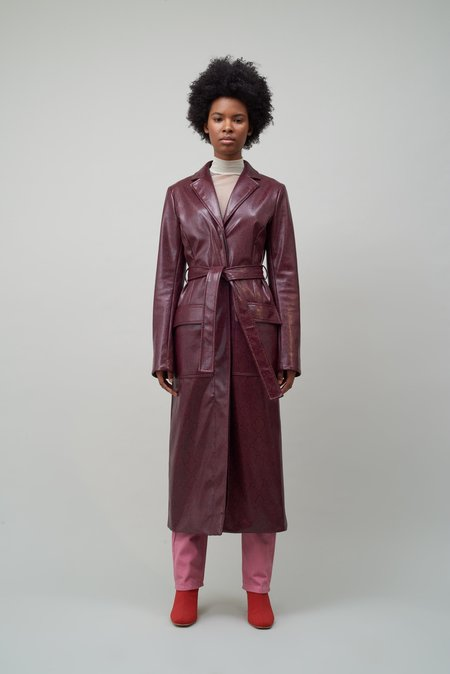 Nomia BELTED TRENCH COAT - BURGUNDY FAUX SNAKESKIN