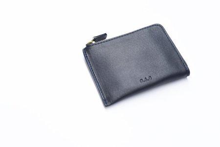 8.6.4 Leather Zip Wallet - Navy