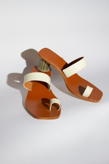 LOQ Tere Patent Leather Sandal - Brie
