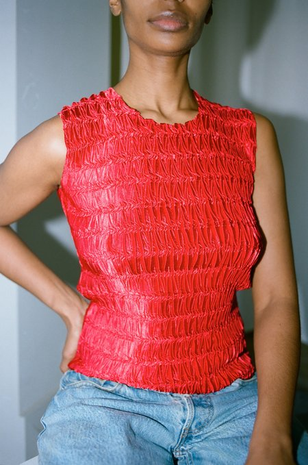 Sincerely, Tommy Vintage Cala Micropleat Top