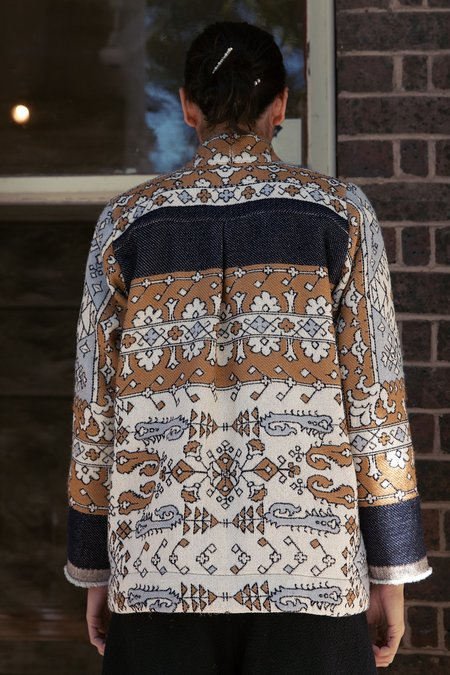 BEFORE MARCH Rug jacket