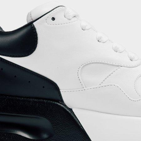 Alexander mcQueen Oversized Runner - White / Black