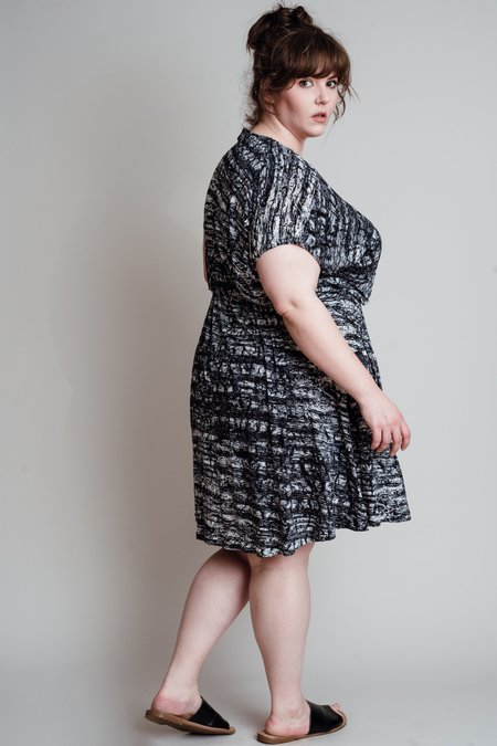 Copper Union Regina Wrap Dress - Black/White Print